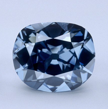 The-blue-hope_diamond
