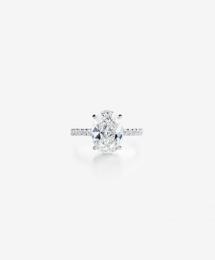 Bespoke-white-gold-oval-cut-4-carat-diamond-pave-ring-galeries-du-diamant