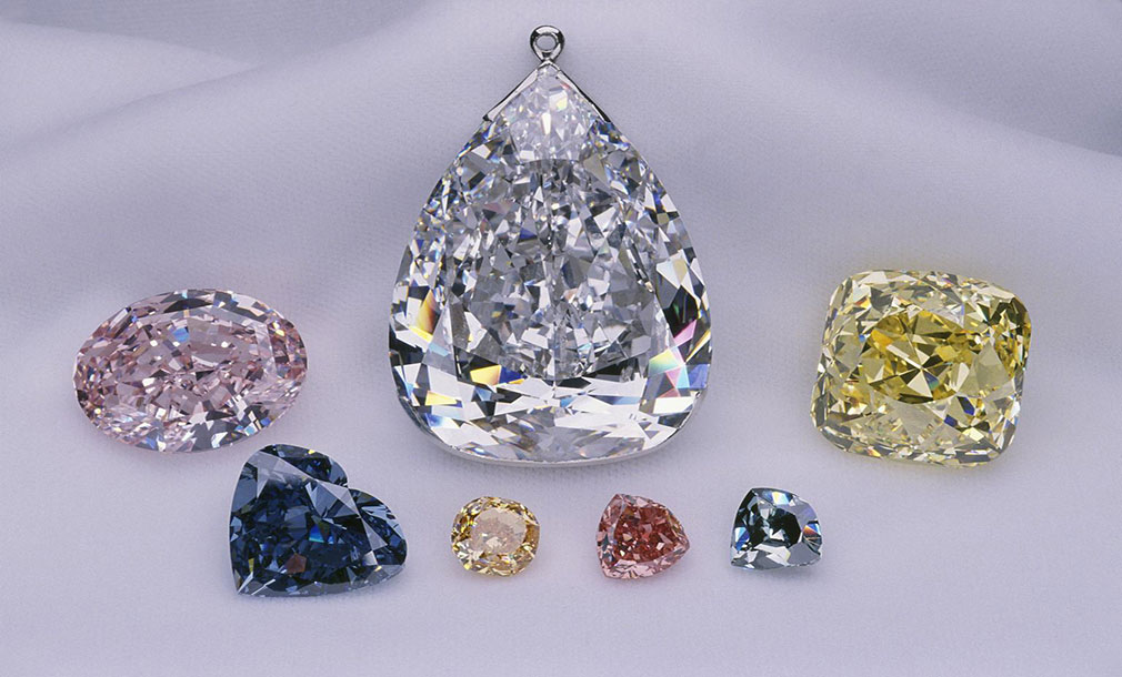 Excelsiod-diamond-(center)-The-Smithsonian