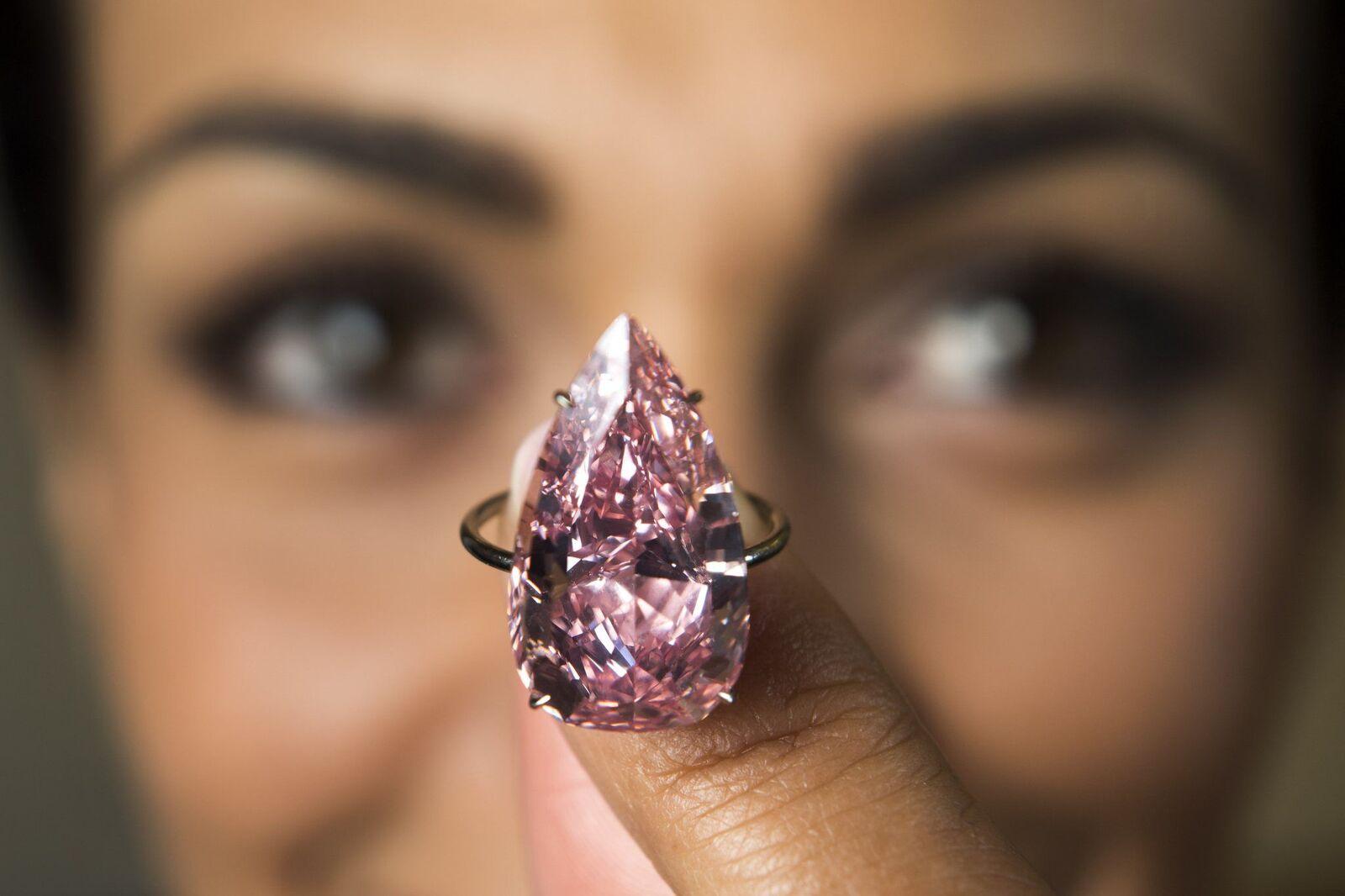 Laurent Gillieron Unique Pink stone-15.38-carat